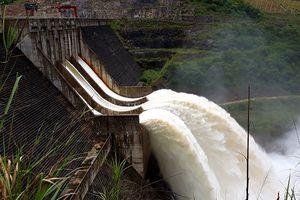 Bác tin đồn vỡ đập thủy điện lớn nhất Nghệ An