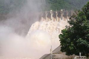 Thủy điện Bản Vẽ tăng mức xả kỷ lục, cao nhất trong lịch sử