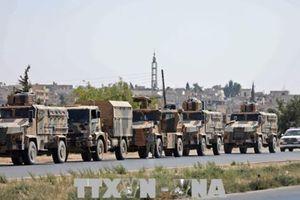 Thổ Nhĩ Kỳ triển khai nhiều đoàn xe quân sự và khí tài đến Syria
