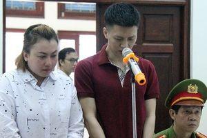 Bố và mẹ kế bạo hành con trai dã man ở Hà Nội bị tuyên phạt gần 12 năm tù