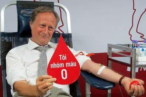 Đại sứ EU tại Việt Nam hiến máu nhóm O