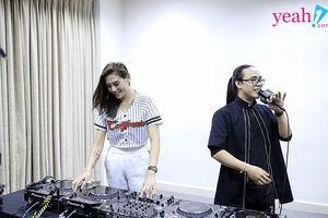 Võ Hoàng Yến 'trốn' không làm Huấn luyện viên The Face đi 'hẹn hò', dạy trai lạ đánh DJ