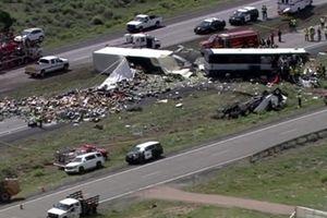Tai nạn xe bus kinh hoàng tại Mỹ