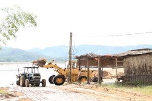 Nghệ An: Hàng chục bến, bãi tập kết cát sỏi hoạt động không phép