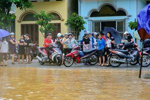Mưa lớn kéo dài, nhiều nơi ở Điện Biên chìm trong biển nước