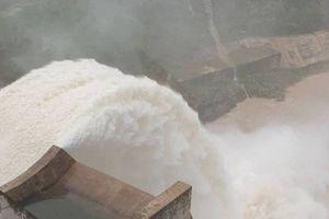 Nghệ An: Nhà máy thủy điện đồng loạt xả lũ, nhiều nhà dân bị ngập
