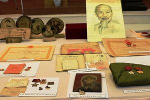 Tiếp nhận gần 190 tư liệu quý về Bác Hồ