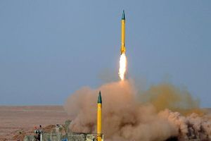 Iran chuyển tên lửa đến Iraq trước căng thẳng leo thang với Mỹ, Israel