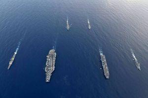 Tàu sân bay trực thăng Nhật Bản tập trận cùng tàu sân bay Mỹ ở Biển Đông