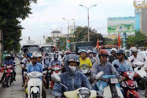 Ngày đầu nghỉ lễ 2/9, dòng người vẫn tiếp tục rời Thủ đô