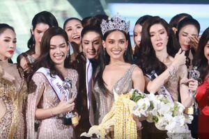 Khoảnh khắc đăng quang của tân Hoa hậu chuyển giới Thái Lan 2018