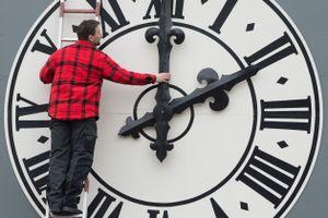 EU cân nhắc bỏ việc đổi giờ theo mùa
