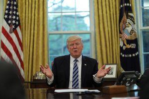 Ông Trump lại tuyên chiến