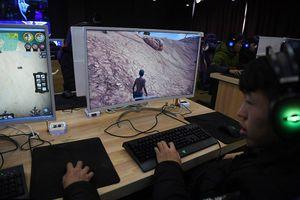 Trung Quốc siết trò chơi trực tuyến để chống cận thị