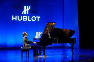 Lang Lang đeo đồng hồ 5 tỷ chơi piano đẳng cấp ở Hà Nội