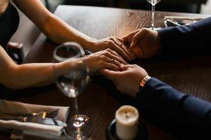 Nếu đang hẹn hò với người vừa MỚI CHIA TAY thì bạn đừng mong đợi những điều này!