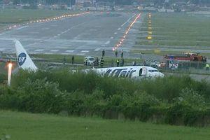 Máy bay trượt khỏi đường băng ở Nga, nhiều người thương vong