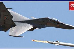Nga - Ấn thử 'sát thủ' Brahmos phiên bản phóng từ trên không