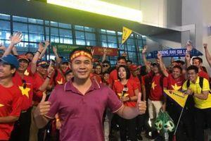 Hàng trăm cổ động viên đã có mặt tại Indonesia cổ vũ cho tuyển Việt Nam