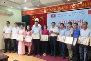 Đón lưu học sinh Lào về ở nhà dân trên địa bàn tỉnh Thái Nguyên