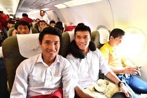 Trực tiếp hành trình của Olympic Việt Nam từ Jakarta về Hà Nội