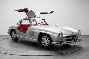 Mercedes-Benz 300SL Gullwing giá 1,9 triệu USD - xế cổ triệu đô được săn lùng nhất trong lịch sử