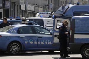 Italy: Một phụ nữ dùng dao tấn công du khách, 4 người thương vong