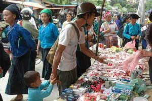 Đưa hàng Việt 'bám' sâu nơi đất bản