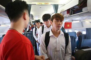 Khung cảnh bên trong chuyên Airbus 321 cơ đưa các tuyển thủ Olympic Việt Nam về nước