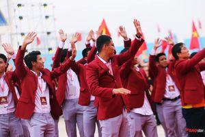 Olympic Việt Nam rạng rỡ trong buổi lễ vinh danh, hàng ngàn CĐV phủ rợp sân vận động Mỹ Đình cổ vũ