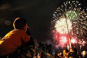 Những khoảnh khắc rực rỡ trên bầu trời Sài Gòn trong đêm bắn pháo hoa mừng Quốc khánh 2/9