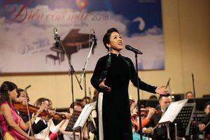 Mỹ Linh, Đức Tuấn thăng hoa trong hòa nhạc 'Trên đôi cánh tình yêu'