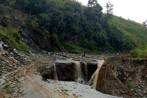 5 ngày sau mưa lũ, đường ở Sơn La vẫn ách tắc nghiêm trọng 