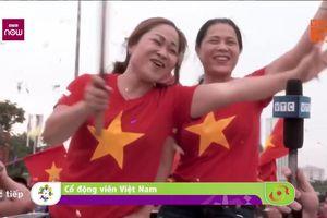 Clip: CĐV reo hò cuồng nhiệt đón Olympic Việt Nam tới sân Mỹ Đình