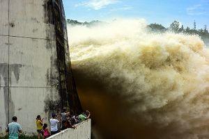 Hồ thủy điện Sơn La, Hòa Bình mở xả đáy, Hà Nội khẩn cấp phòng úng ngập