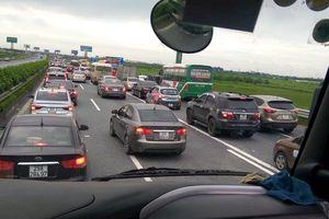 Hướng dẫn tránh tắc đường bằng Google Traffic mới nhất