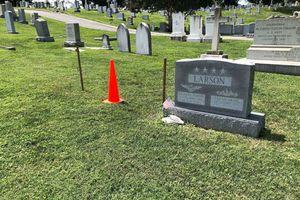 Thượng nghị sĩ John McCain an nghỉ tại nghĩa trang hải quân, cạnh mộ bạn thân