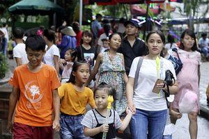 Hà Nội: Công viên, vườn thú vẫn chật kín người vào ngày cuối dịp nghỉ lễ 2/9