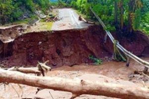 Nỗ lực thông đường, trợ giúp dân sau lũ