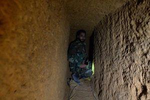 Khủng bố Syria hối hả đào hầm, sẵn sàng tấn công hóa học ở Idlib