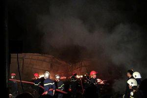 Cháy lớn tại xưởng gỗ sản xuất pallet