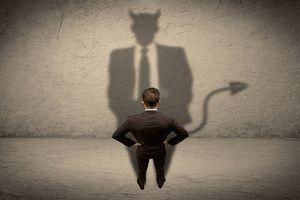 Vén màn bí ẩn chuyện con người bán... linh hồn cho quỷ dữ