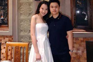 Hiếm khi khoe bạn gái nhưng cứ mỗi lần xuất hiện, Phan Thành lại 'tình bể bình' với Xuân Thảo