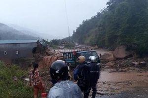 Lai Châu lại đứt đường, chết người do mưa lũ