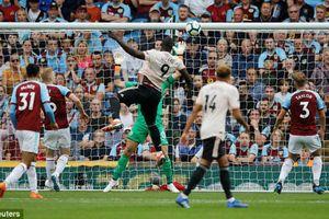 Burnley 0-2 Man Utd: Lukaku lập cú đúp giúp 'quỷ đỏ' vượt ải tại Turf More