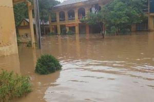 Bộ GD&ĐT: Công điện khẩn về mưa lũ trước ngày khai trường trên cả nước