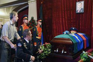 Hàng trăm nghìn người dự lễ tang lãnh đạo phe nổi dậy Ukraine