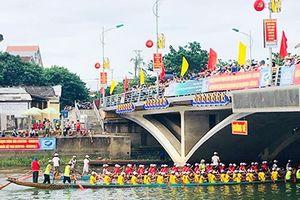 Độc đáo lễ hội đua thuyền mừng Tết Độc lập trên quê hương Đại tướng Võ Nguyên Giáp