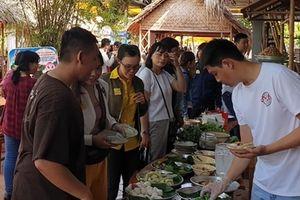 Bánh dân gian bột gạo Sa Đéc thu hút thực khách dịp lễ 2-9