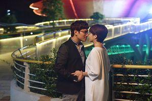 Chuyện showbiz: Kiều Minh Tuấn và An Nguy hôn nhau say đắm
